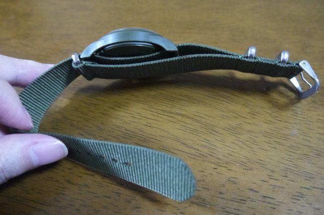 ダイソーの500円ミリタリー腕時計は防水仕様?ベルト調整はできる?